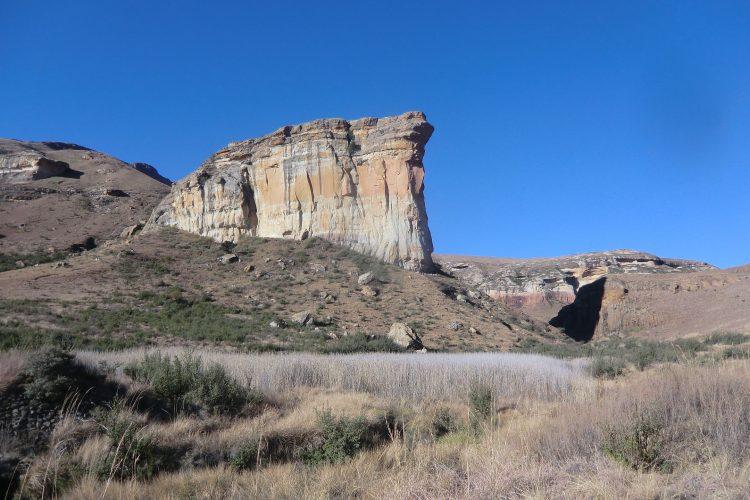 """Ebenfalls in der Nähe ist der Golden Gate National Park. Wahrzeichen ist dieser Felsen namens """"Sentinel""""."""
