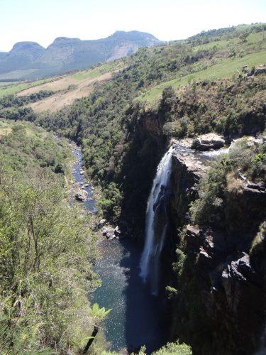 Westlich des Krügerparks beginnt die Drakensberg-Bergkette. Im Bild die Lisbon-Falls.