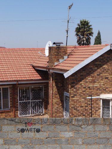 In einem der besseren Viertel von Soweto.