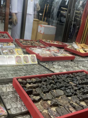 On the amulet market in Bangkok where all sorts of talismans are sold, ranging in price from a few to several thousand euros for ancient ones.
