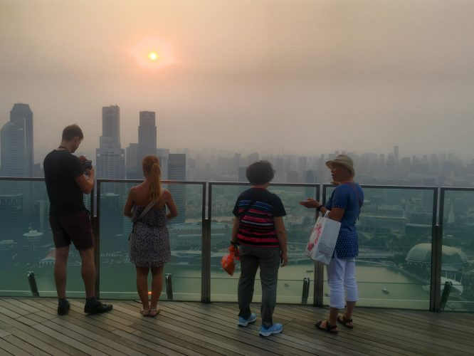...and stopped over in Singapore for 2 days on our way home. Unlike in June, Singapore was captured under thick smog/haze resulting from burning rainforest in Sumatra.